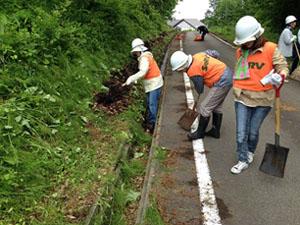 山形県 農道・市道の清掃のサムネイル画像