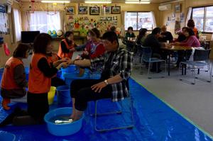東日本大震災 宮城県山元町にて足湯ボランティアのサムネイル画像