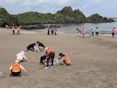 八戸市 海岸清掃のサムネイル画像