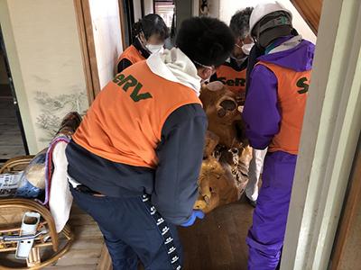 SeRV秋田 浸水の復旧へ出動のサムネイル画像